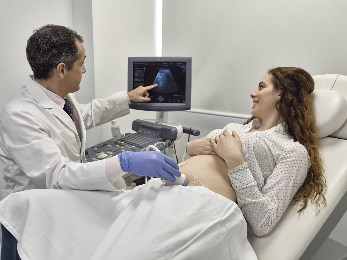 Gynäkologische Untersuchung und Ultraschall